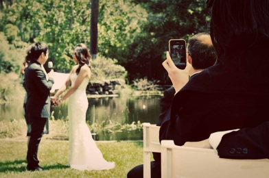 black-horse-wedding-guest-phone